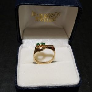 Jewelry - Ring 10 k Yelow Gold with 3 round emeralds